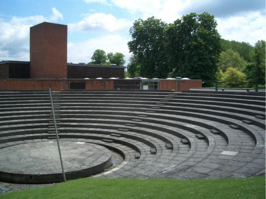 Amphitheatre at Carmel College, Wallingford. TV & film extra